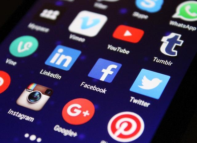 Czy social media ranią ludzi?