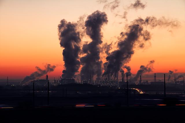 Kiedy w miastach panuje smog, kup oczyszczacz powietrza