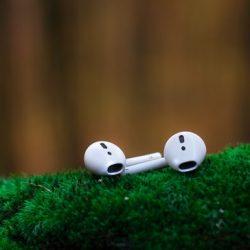 Ludzie wydają ponad pół miliona rocznie na Apple Airpods