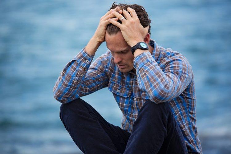 Niedobór snu może prowadzić do negatywnego myślenia